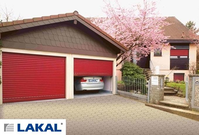 Porte refoulement plafond porte de garage servisun for Porte de garage couleur bordeaux